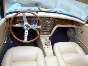 P1020034-800x600-1-300x225 Facel III Cabriolet de 1964 Facel III Cabriolet Voitures françaises après guerre