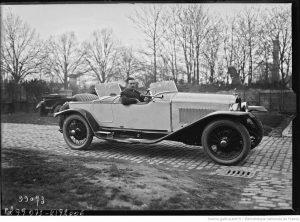 9-mars-1925-pesage-de-lépreuve-automobile-Paris-Nice-Clément-sur-Oméga-six-300x222 Oméga-Six 1929 Divers Voitures françaises avant-guerre