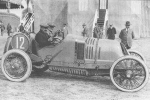 theo-schneider--300x200 Théophile Schneider GP Course de 1913 Cyclecar / Grand-Sport / Bitza Divers Voitures françaises avant-guerre