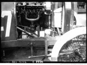 Grand-prix-de-Dieppe-Le-moteur-de-la-Peugeot-300x225 La Peugeot des Charlatans (GP 1912) Cyclecar / Grand-Sport / Bitza Divers