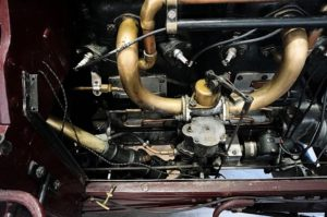 Engine-links-300x199 De Dietrich Type CO 40 CV Double Phaeton 1905 De Dietrich Type CO 40 CV Double Phaeton 1905